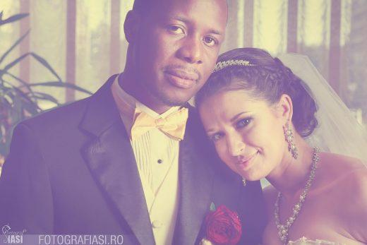 Tabita + Godwin – fotografii nunta Iasi – biserica Filocalia – hotel Unirea