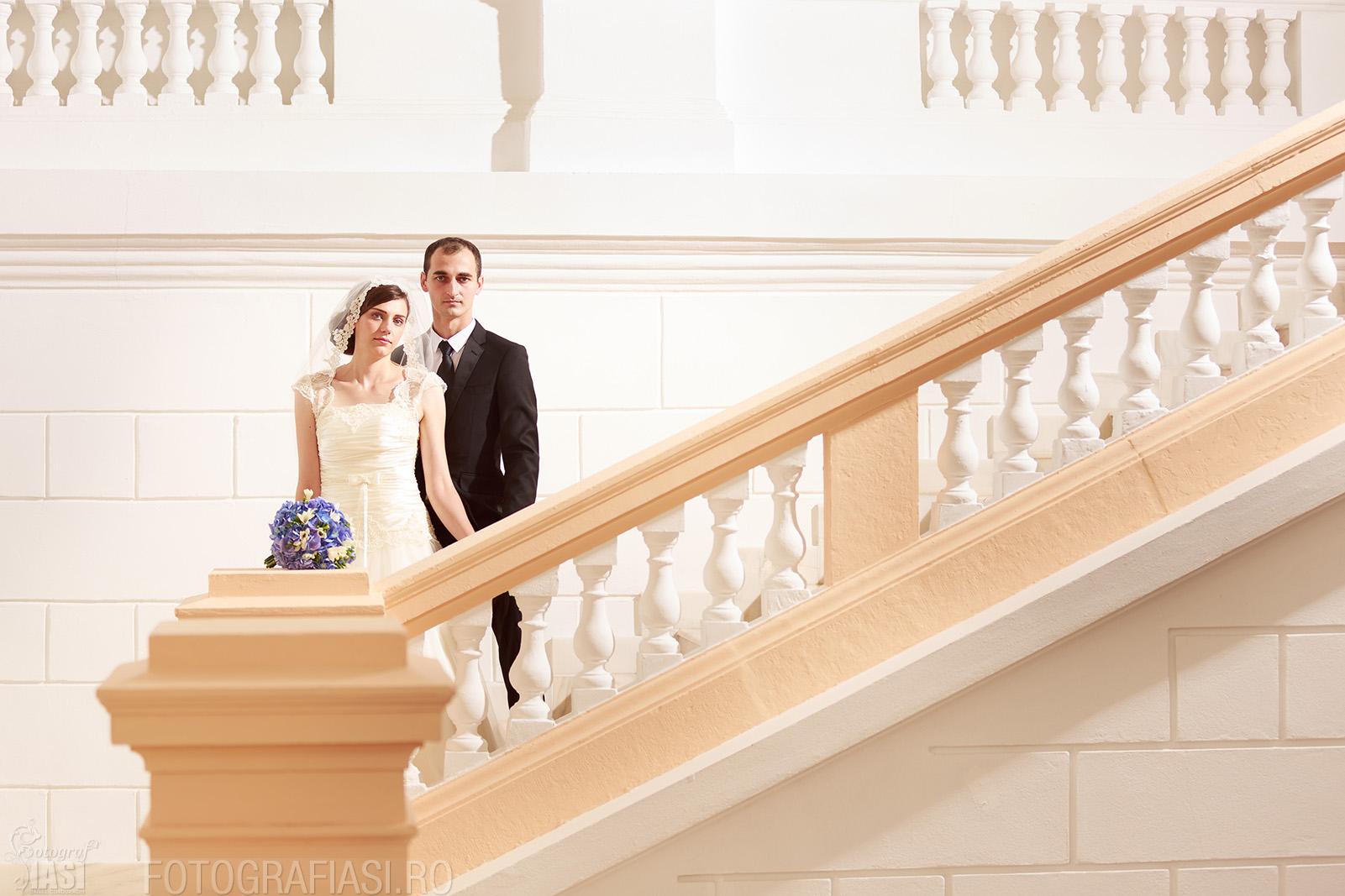 fotografie de nunta folosind lumina de studio din lateral