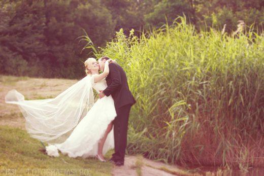 Alexandra + Laurentiu – fotografii nunta Iasi – cununie religioasa Biserica Sfantul Lazar Iasi – receptia Restaurant Panoramic Hotel Unirea Iasi